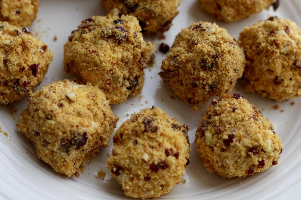 Biscotti Cheesecake Bites